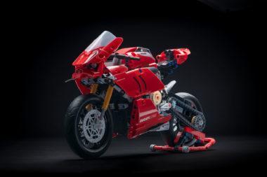 Ducati Panigale V 4 R Lego Technic Copia 380×253 1