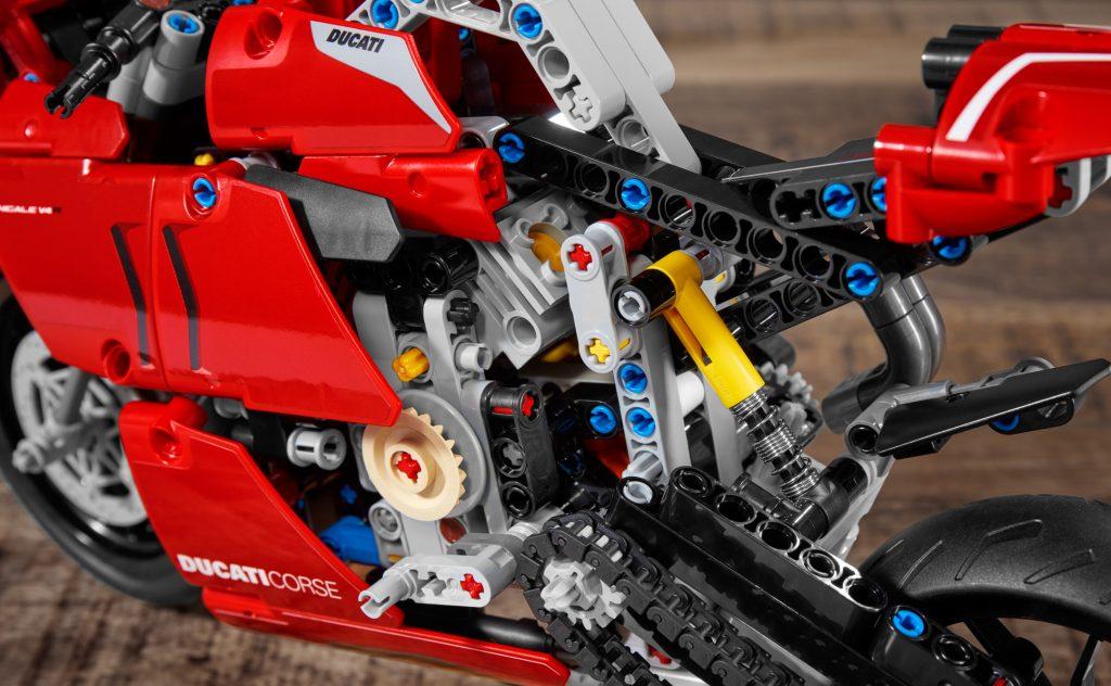 Lego Technic 42107 Ducati Panigale V4 R F72e9 5 1024×632 1