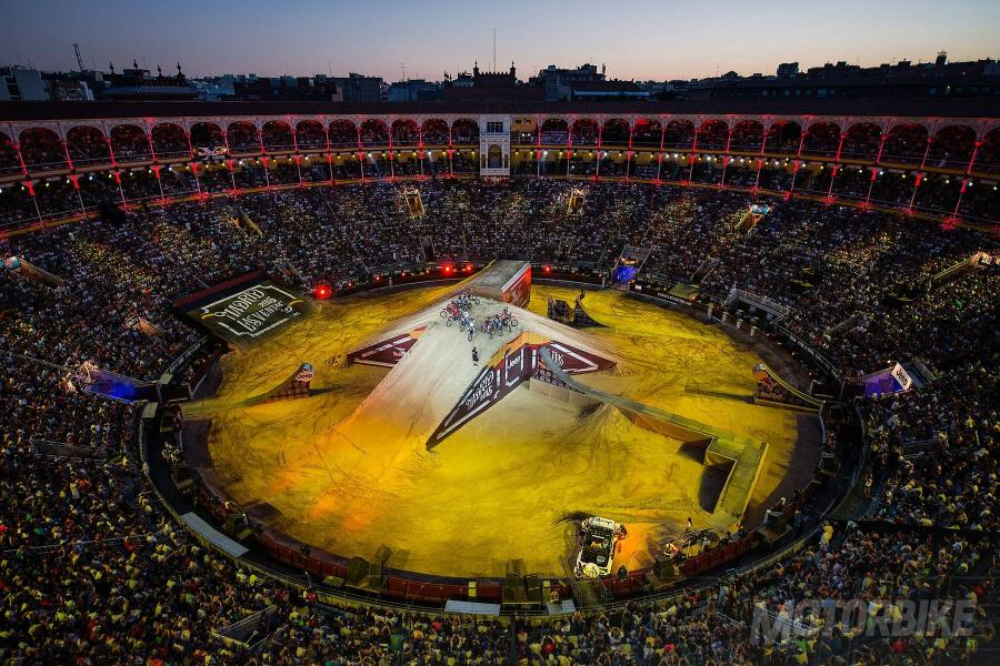 Red-Bull-X-Fighters-2016-01