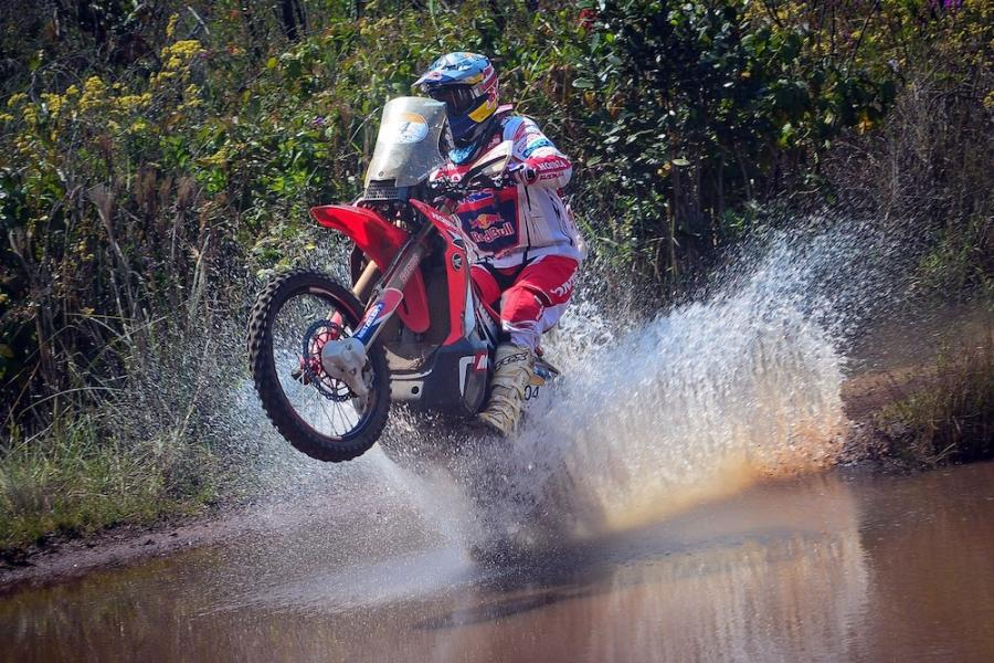 303698_Honda_s_journey_to_the_top_at_the_toughest_rally_on_earth