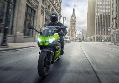 Kawasaki-Ninja-400-2020-1-380×266-1
