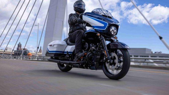 Así es la Harley-Davidson Street Glide® Special con pintura Arctic Blast Limited Edition