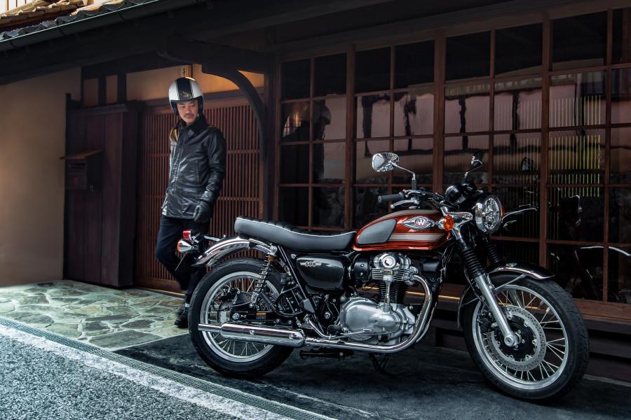 Llega la versión 2022 de la Kawasaki W800