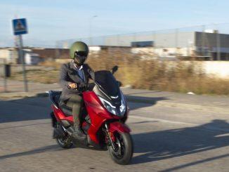 Invicta Electric presenta el scooter T10 Neila
